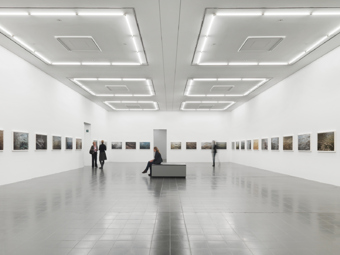 "Roni Horn / ""Photographien"", exhibition view, Kunsthalle Hamburg, 2011 / 2011"