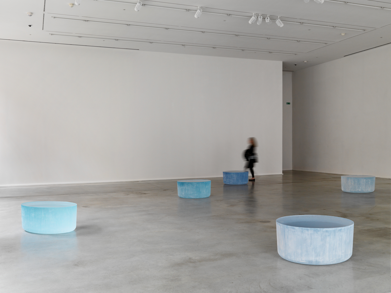 "Roni Horn / Well and Truly, installation view, ""Recent Work"", Hauser & Wirth, London, 2011 / 2009-2010"
