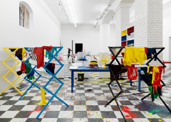 "Richard Jackson / ""The Laundry Room"", exhibition view, Hauser & Wirth Zürich / 2009"