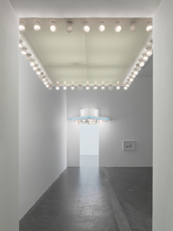 "Philippe Parreno / ""May"", exhibition view, Kunsthalle Zürich / 2009"