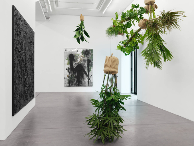 "Rashid Johnson / ""The Gathering"", exhibition view, Hauser & Wirth, Zürich  / 2013"