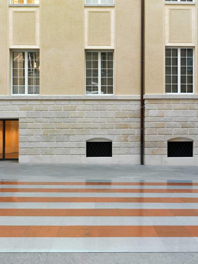 Carl Andre / Art at Swiss Re, installation view, Zurich / 2014