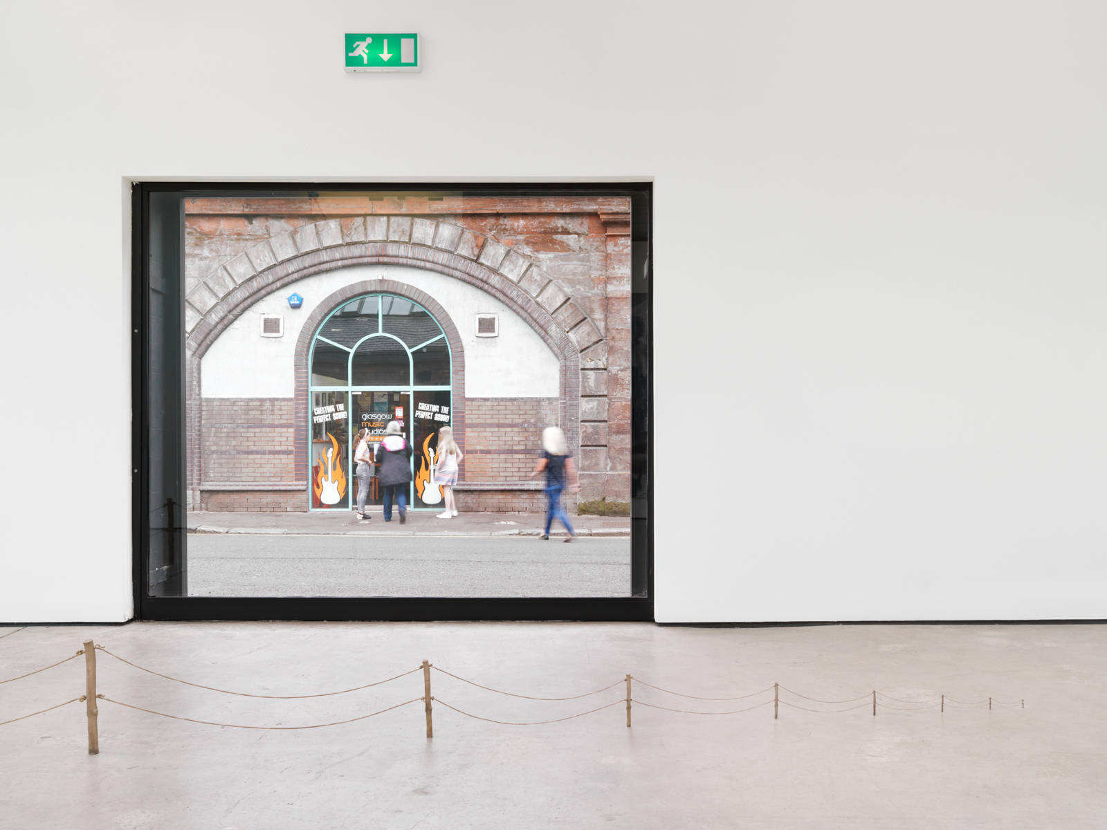 "Urs Fischer / ""∞"", exhibition view, The Modern Institute, Glasgow / 2015"