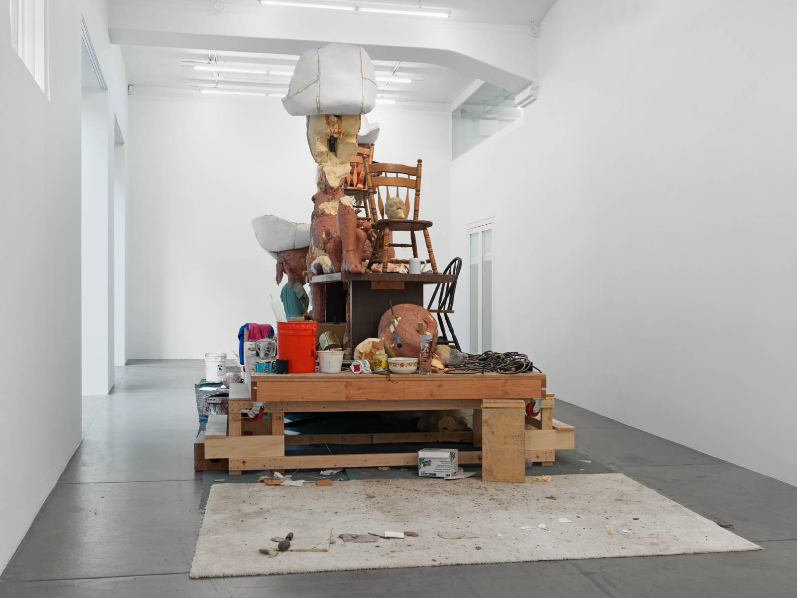 "Paul McCarthy / ""Soin Offs: White Snow WS, Caribbean Pirates CP"", exhibition view / 2015"
