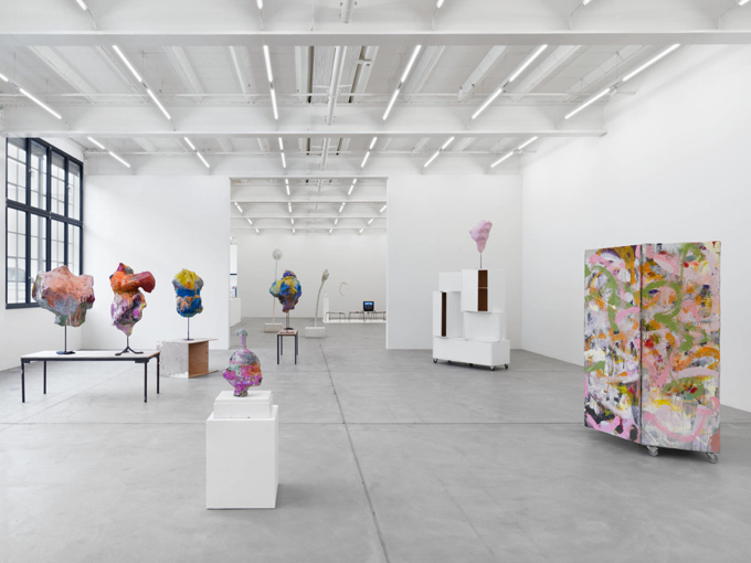 Franz West / Exhibition view, Galerie Eva Presenhuber, Zürich / 2015