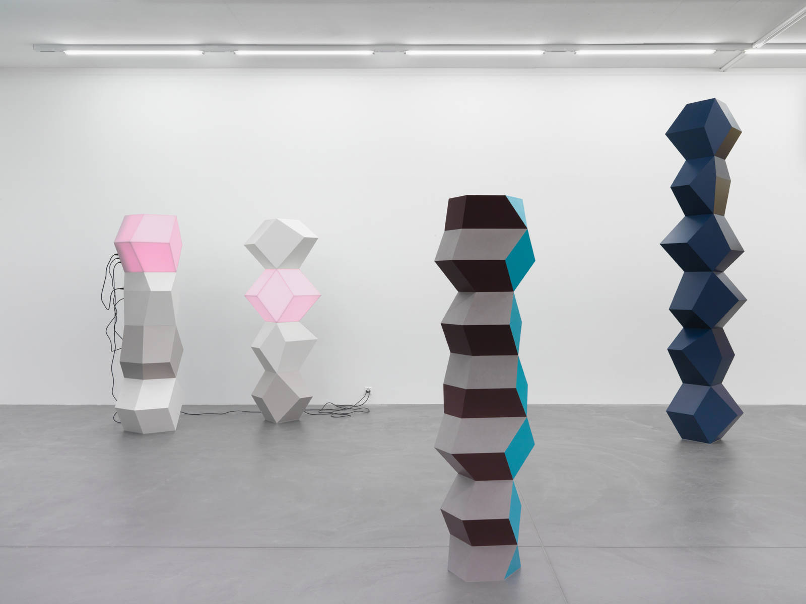 "Angela Bulloch / ""Space Fiction Object"", exhibition view, Galerie Eva Presenhuber, Zürich / 2016"