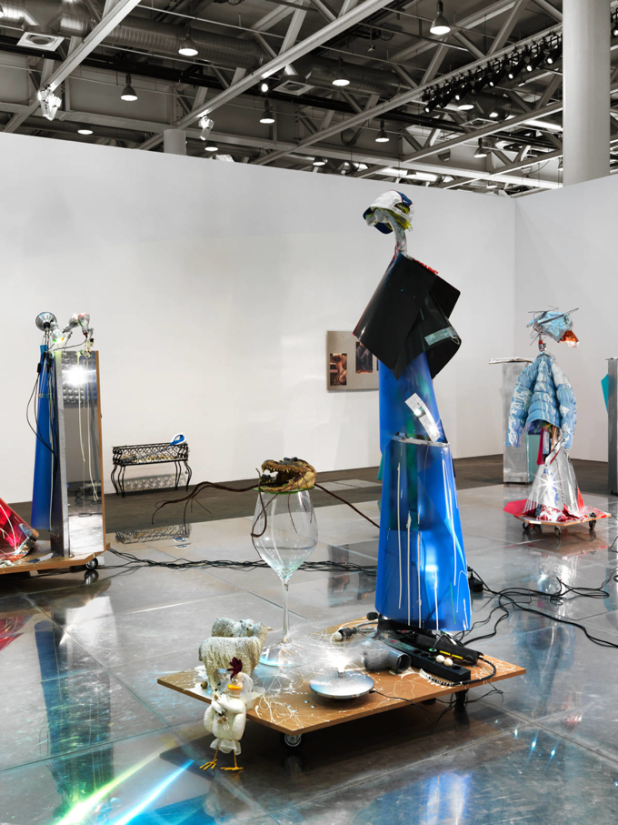 Isa Genzken / Installation view, Hauser & Wirth, Art Unlimited Basel / 2016